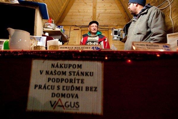 Vagus si vyskúšal prevádzku stánku na vianočných trhoch.