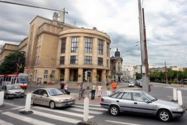 Zmeny sa dotknú spojov jazdiacich cez Šafárikovo námestie a Štúrovu ulicu.