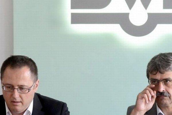 Predseda predstavenstva vodární Radoslav Jakab a primátor Milan Ftáčnik.