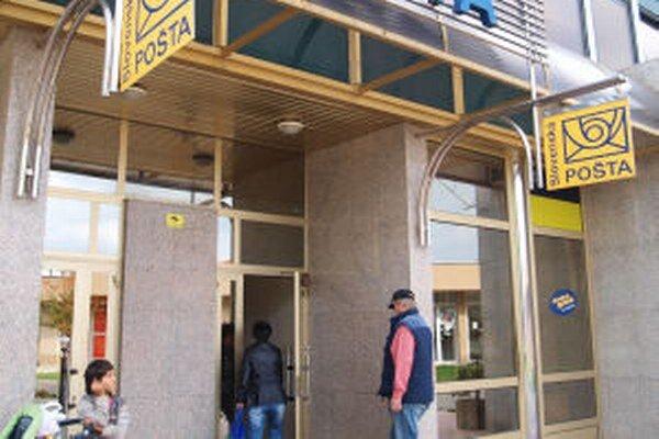 Pošta v centre Žiaru. Je jediná v meste, čo je roky terčom sťažností obyvateľov.