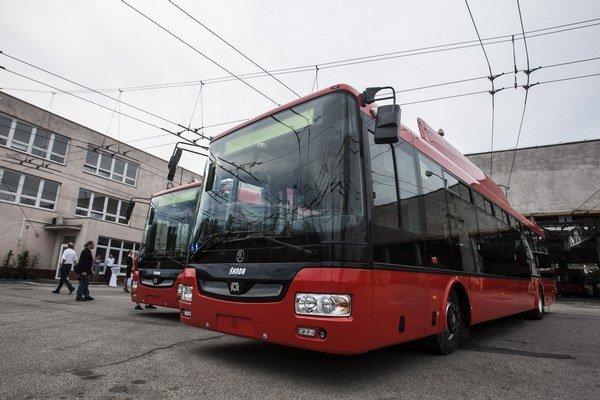 Dnes predstavili prvé dva nové trolejbusy.