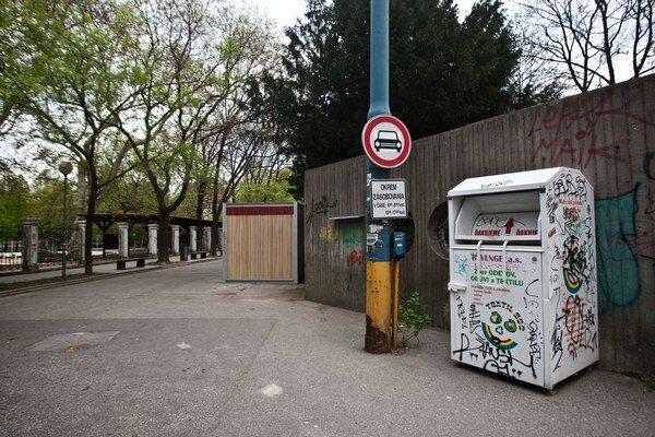 Zákaz vjazdu do ulice.