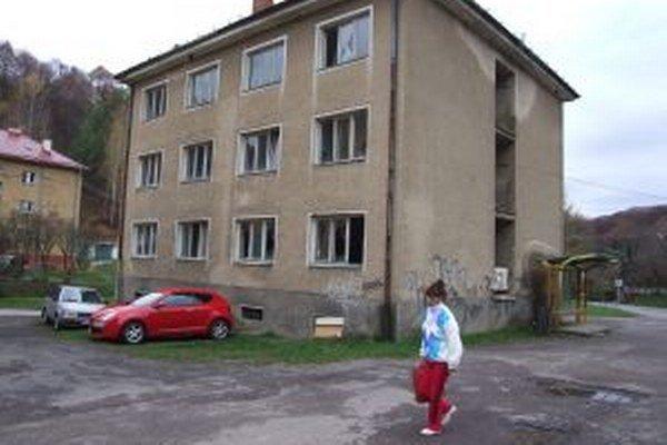 V staršej bytovke možno vzniknú nájomné byty.