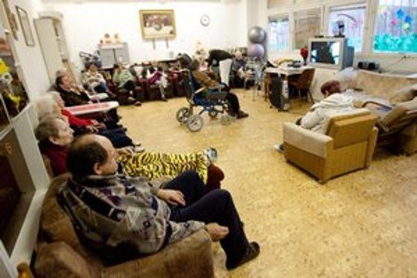 Spoločenská miestnosť v domove na Znievskej.
