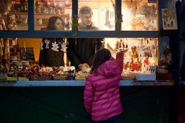 Vianočné trhy budú na Hlavnom a Hviezdoslavovom námestí trvať až do 23. decembra.