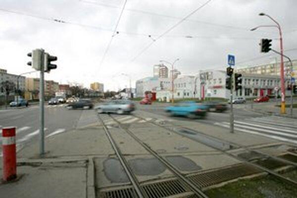 Mestské časti sa počas najbližších dvoch rokov chcú venovať najmä doprave. Potrebujú vyriešiť svetelnú signalizáciu, opraviť chodníky pre chodcov či dobudovať cyklocesty.