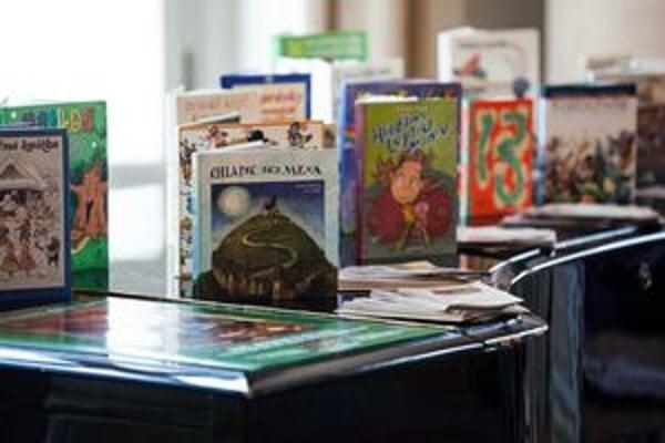 Knihou môžete obdarovať konkrétne dieťa.