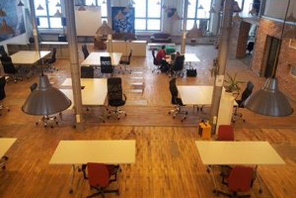Coworkingový priestor v Starej pradiarni je na 3. poschodí.