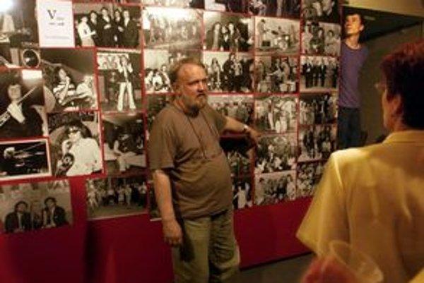 Bývalý V–klub by mala vo foyer pripomínať aj výstava fotografií. Dohodnúť sa chcú s fotografom Véčka Petrom Procházkom (na snímke).