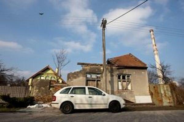 Petržalka vyrástla na ruinách rodinných domov. Zostalo ich len pár.