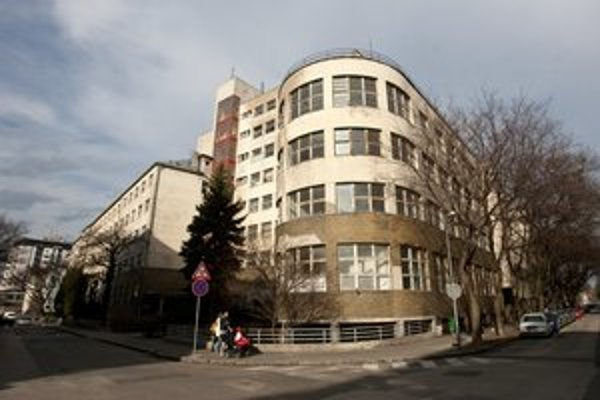 Hotel, byty i ambulancie lekárov budú v novej Bezručovej.