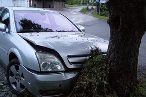 Havarovaný Opel.