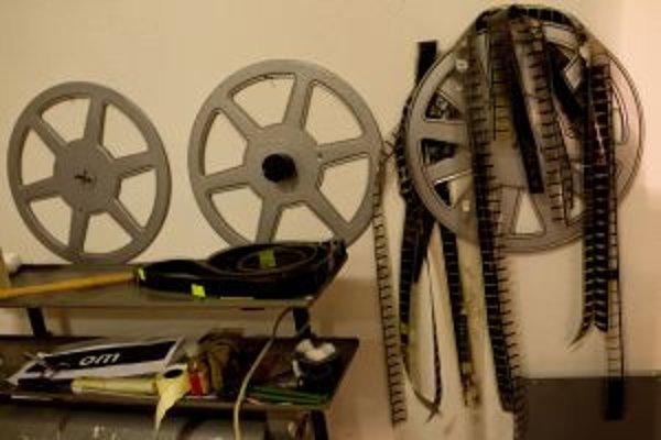 V Štefultove premietnu film zo 16mm pásu.