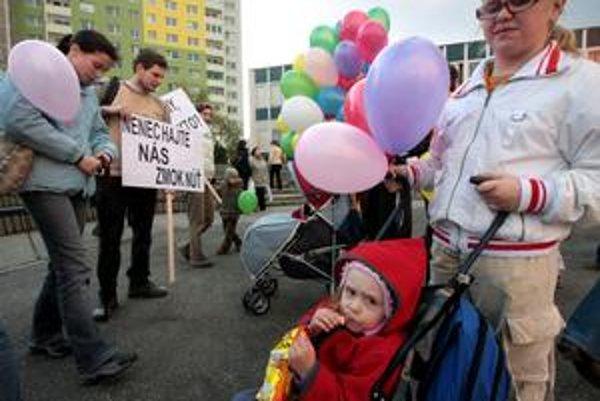 Za zachovanie materského centra Ráčik na Peknej ceste sa robila petícia.