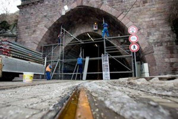 Tunel uzavrel dopravný podnik 2. februára.