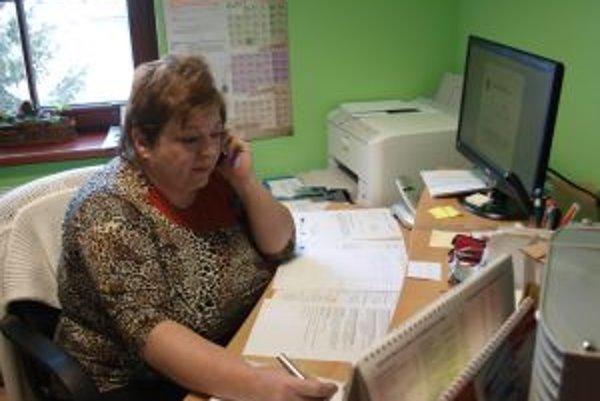Eva Petáková dnes pracuje na obecnom úrade vo Svätom Antone. Včera ju zvolili za starostku obce Kozelník.