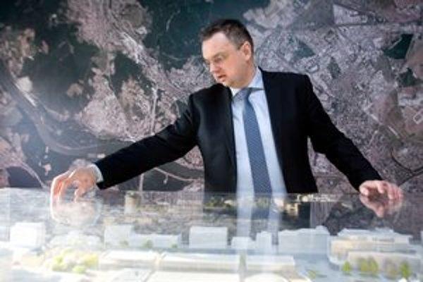 Igor Ballo, konateľ firmy Transprojekt, vysvetľuje prečo projekt mešká.