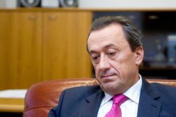 Šéf Dopravného podniku, Ľubomír Belfi, ktorého do funkcie navrhol primátor, bude musieť vysvetľovať.