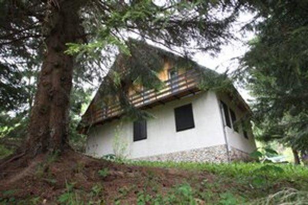 Chata na Donovaloch potrebuje renováciu kúpeľne a WC, aj výmenu elektrických pecí za kúrenie, menej náročné na energie.
