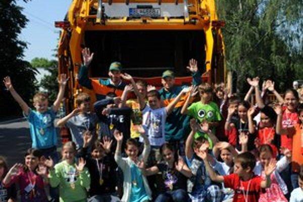 Do projektu Olompiáda o separovanom zbere sa zapojila aj škola v Rusovciach.