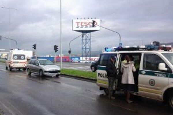Nehoda sa stala na Ulici SNP.