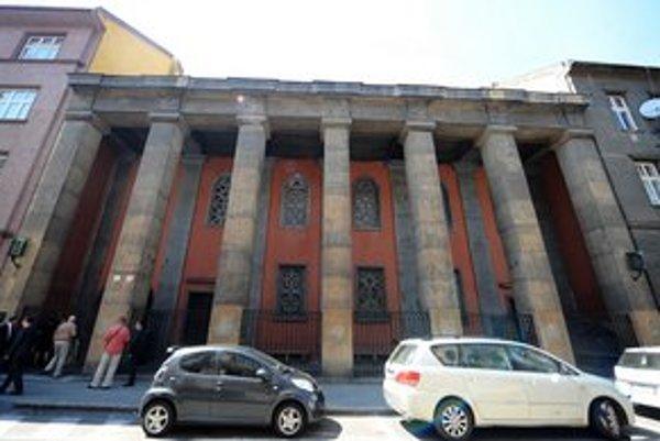 Múzeum sídli v synagóge na Heydukovej.