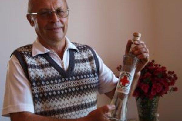 Kremnickí záhradkári predstavili na tradičnej výstave plodov aj fľašu prvej pomoci.