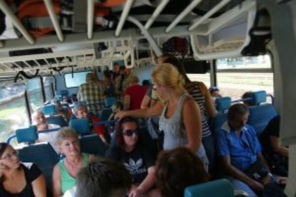 Aj takto to vyzeralo vo vlaku do Banskej Štiavnice počas letných víkendov.