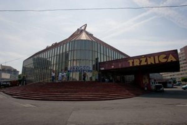 Tržnicu stavali v rokoch 1978 až 1981.