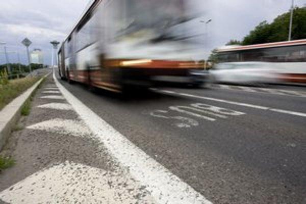 Od mosta až takmer po Hlavnú stanicu budú autá počas týždňa mobility vylúčené z buspruhov.