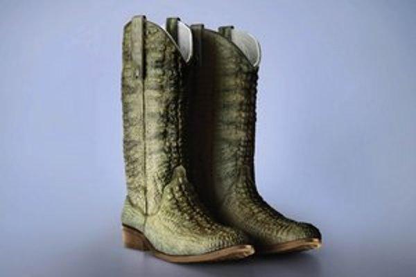 Časť z vizuálu kampane zoo s hadími topánkami.