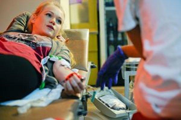 Darcovia krvi, ktorí sa zapoja do Univerzitnej kvapky krvi 2012, budú zaradení do žrebovania o rôzne ceny.