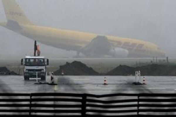 Lietadlu zlyhal podvozok.