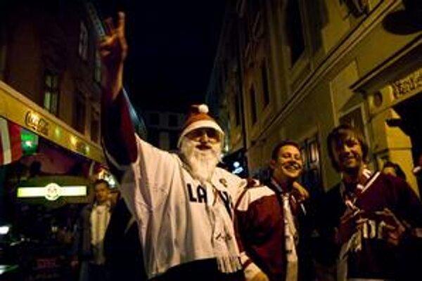Lotyši sa stretávajú v centre Bratislavy.