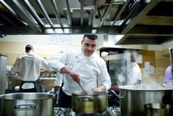 Martina Korbeliča kolegovia šéfkuchári a odborníci označili za jedného z troch najlepších kuchárov na Slovensku.