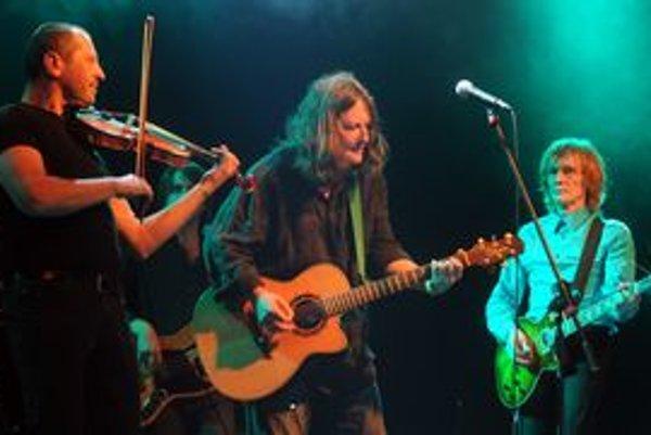 Česká skupina si zahrá v piatok Ateliéri Babylon.