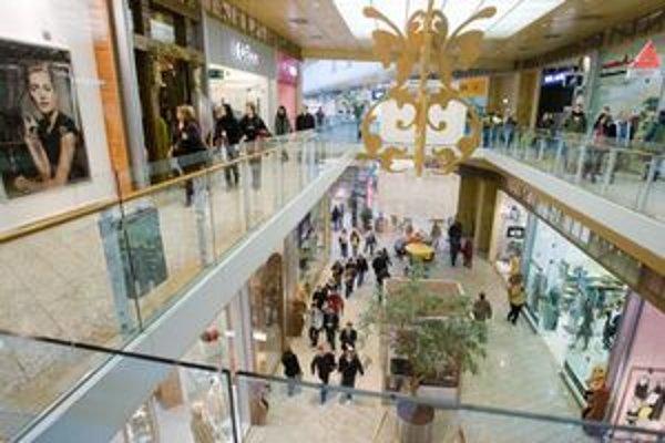 Stavajú ďalších 140.000 m2 nákupných centier.