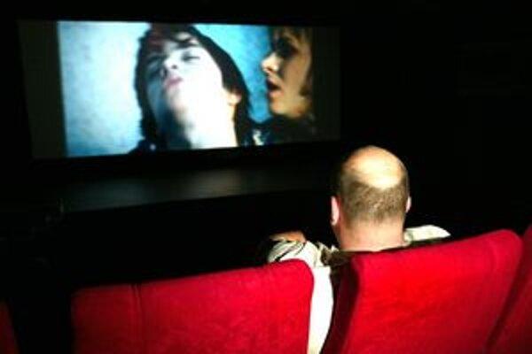 Ponuku klubových filmov v lete suplovali kiná pod holým nebom. Na jeseň sa však už vrátia do kinosál.