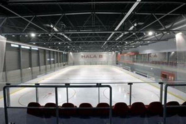 Od stredy do piatka a počas víkendov bude korčuľovanie pre verejnosť.