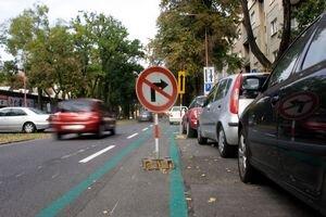 Aj takto sa využíva nový cyklopruh na Košickej ulici.