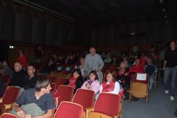Festival Medzi nebom a zemou prilákal do kina Vatra množstvo ľudí.