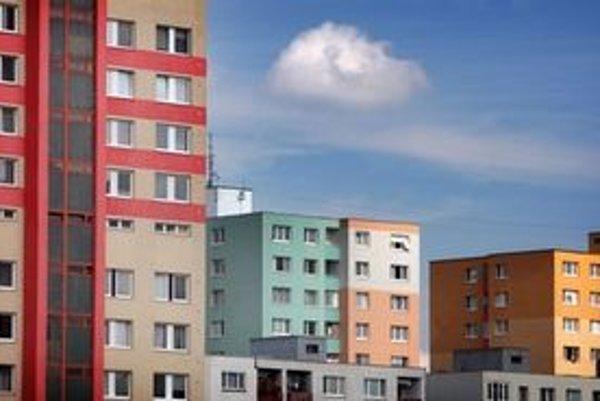 Byty pre mladé rodiny sú napríklad v Karlovej Vsi.