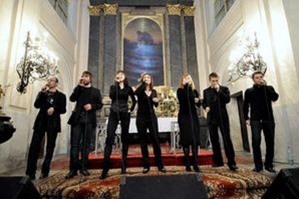 Fragile opäť v Banskej Štiavnici. Pred dvoma rokmi dvakrát vypredali evanjelický kostol, v piatok vystúpia v amfiteátri.