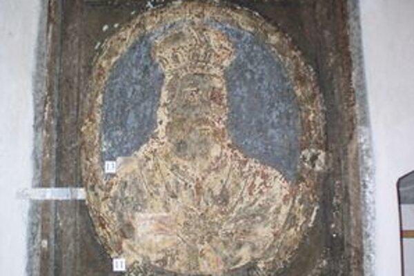 Poškodená maľba panovníka. V novobanskej radnici ich je trinásť, pred šiestimi rokmi ich zničil požiar.