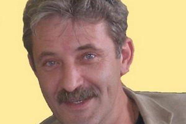 Starosta Devínskej Novej Vsi Vladimír Mráz. Voľby vyhral aj v roku 2002 a aj v roku 2006.