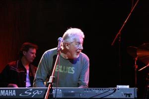 John Mayall na svetovom turné zahrá v sobotu aj v bratislavskom PKO.
