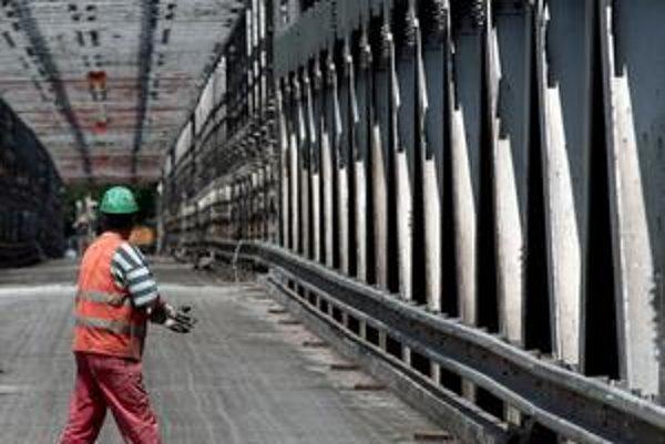 Starý most je na tom zle, podľa odborníkov je v siedmom stupni poškodenia zo siedmich. Ako sa zdá, jeho stav bude aj témou predvolebnej kampane.