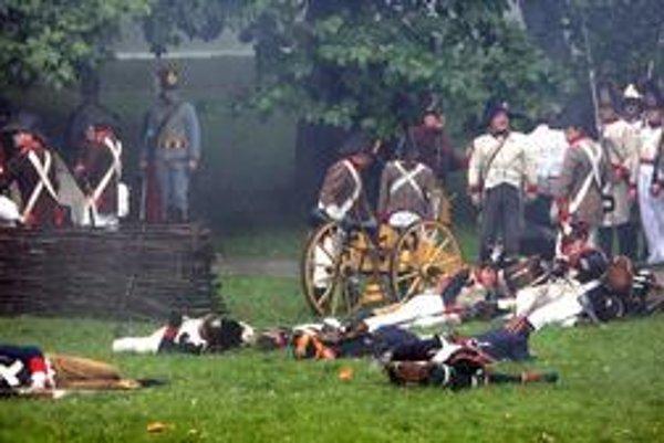 Viacero pamätihodností Petržalky sa spája so sadom Janka Kráľa a s prítomnosťou napoleonských vojsk v r. 1809. Prípomína si ich aj obnovená tradícia bojov o Bratislavu.