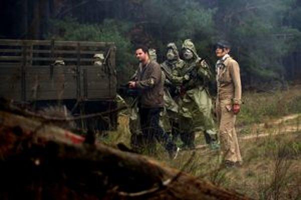 Scéna zamorenia tajnej ruskej základne sa nakrúcala na Záhorí pri bunkroch z druhej svetovej vojny.