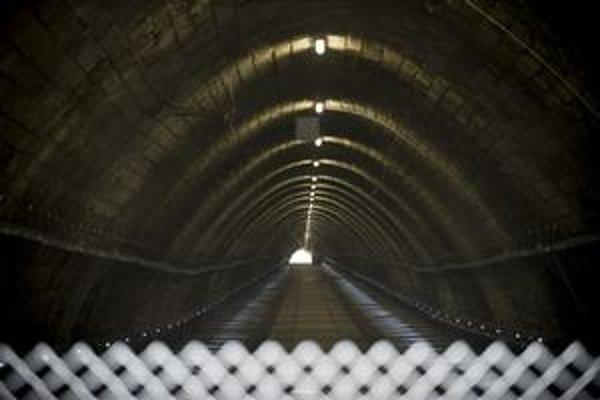 Električkový tunel je zatvorený už jeden a štvrť roka.